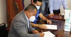 Prefectura entrega insumos de protección al CNE