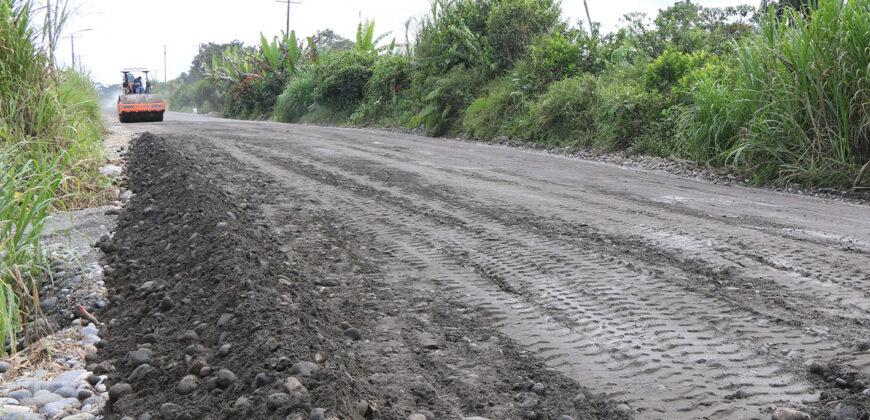 PREFECTO Y GERENTE BDE CONSTATAN OBRAS EN HUAMBOYA Y PALORA