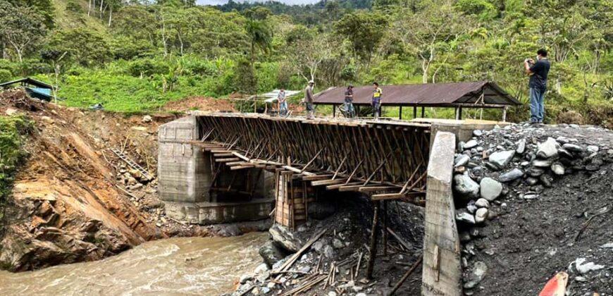CONSTRUCCIÓN DEL PUENTE SOBRE EL RÍO MIRIUMIN PASO A TAMBACHE